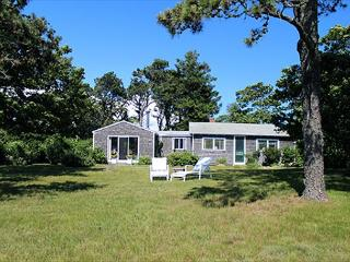 WATERFRONT, VINTAGE VINEYARD WITH MODERN CONVENIENCES, Edgartown
