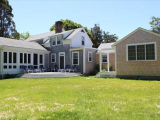 CLASSIC, WELL MAINTAINED IN-TOWN EDGARTOWN HOME