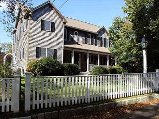 Beautiful In-town Edgartown Home with Central Air Conditioning
