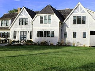 LUXURY HOME ON FARM NECK GOLF COURSE WITH GREAT WATERVIEWS, Oak Bluffs