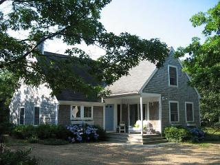 LIGHT-FILLED CONTEMPORARY CAPE CLOSE TO THE BIKE PATH, Edgartown