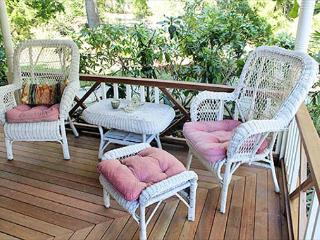 Completely Renovated Cottage Close to Town