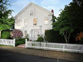 Elegant In-Town Vineyard Haven Home