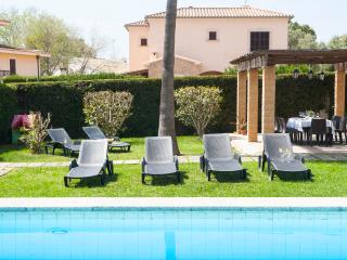 Beautiful finca with private pool and garden, Porto Cristo