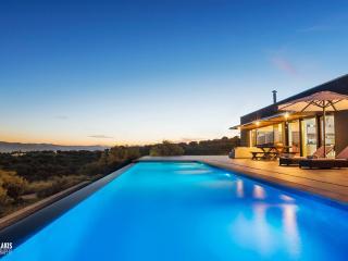 Sea view 4 bedroom villa with large pool, Akrotiri, Acrotiri