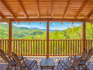 SUMMER NIGHTS FROM $249!!! 5 BR Gatlinburg Cabin w/ Views! Sleeps 16.