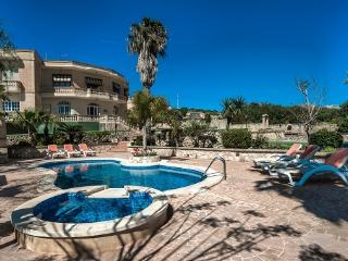 VL002 Villa, Qala