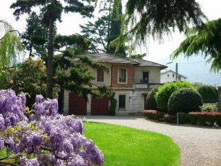 Villa Como, Mandello del Lario
