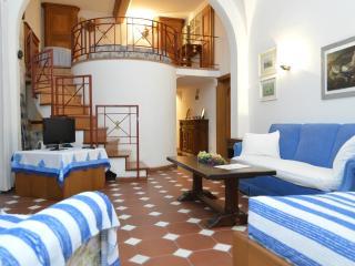 appartamento al centro di capri 3 camere 2 bagni c, Capri