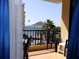 Beachfront Apartment with wifi, sat tv El Medano