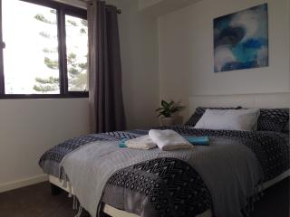 The Foley - Breaksea Apartment, South Fremantle