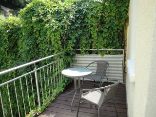 Modern holiday flat with balcony - Lebenswert FeWo