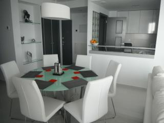 Fabulous dining area for 6 people.