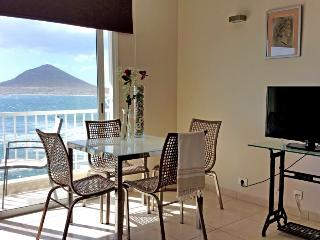 Fantastic Apart. with wifi, sea views in Medano, El Medano