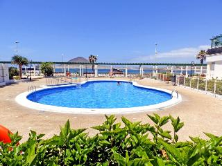 Apart. with wifi, pool and sea views in El Medano