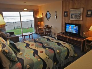 'Prawn Solo' Great ground floor condo - Sleeps 3, Lincoln City