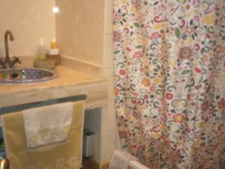 baño principal con dos lavabos