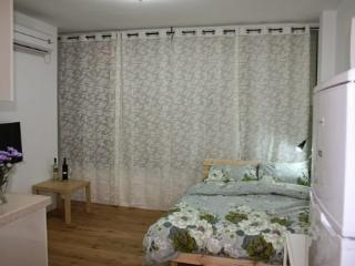 Studio apartment in Bat Yam