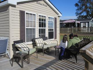 Lakefront Park Model Resort Cottage, Campbellford