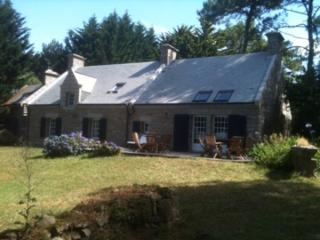 Brittany, lovely villa on the seafront
