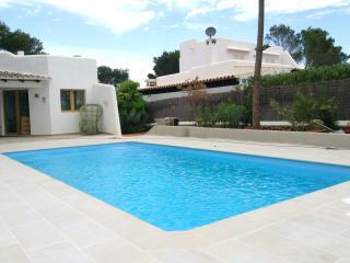 Villa swimmingpool 300m Cala Serena Beach