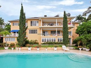 Bogue Villa - Montego Bay, Jamaica Villas 2BR, Jamaïque