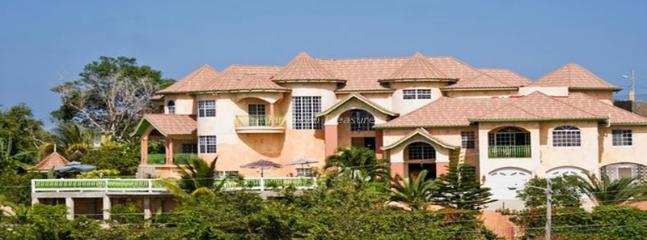Dream Castle Villa, Montego Bay 6BR, Ironshore