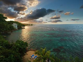 Golden Clouds, Oracabessa 10BR