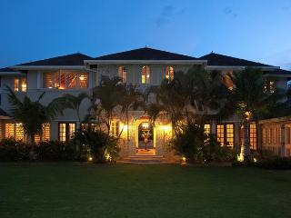 Jus Paradise Golf Villa in Rose Hall 3BR