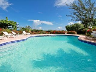 Jamaica Beach Villa, Runaway Bay 4BR