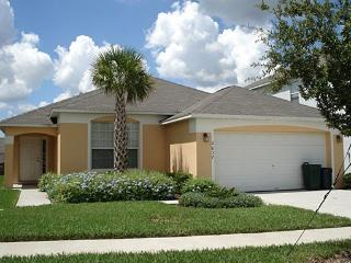 2637EIB. 4 Bed 3 Bath Pool Home With 2 Master Suites In KISSIMMEE FL