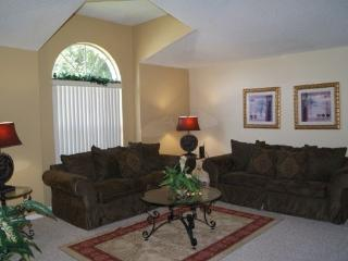 3 Bedroom 2 Bathroom Pool Home in Rolling Hills. 7902GPC, Orlando