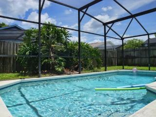 3 Bed 2 Bath Pool Home in Quiet Community Near Disney. 1644OHT