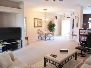 3 Bedroom Vacation Home With Golf Course View from the Pool. 152JA, Orlando