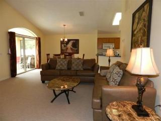 3 Bed 2 Bath Pool Home With Privacy Fence. 1213TOB, Orlando