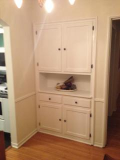 Built in cabinets in breakfast room