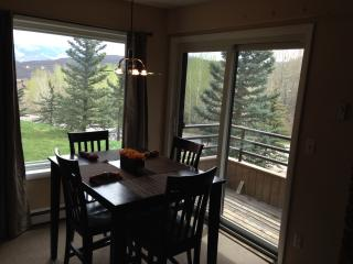 1BR plus bunkroom with hot tub and views!, Snowmass Village