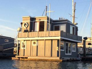 Floating House in San Diego Bay