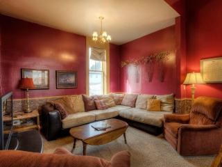 Great Family Getaway w/ Lots of Space, New Carpet, Custer