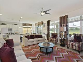 Exquisite 6 Bedroom 6 Bathroom Pool Home in West Haven, Loughman
