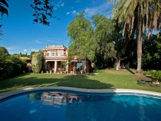 Charming luxury villa in Marbella, Puerto Jose Banus