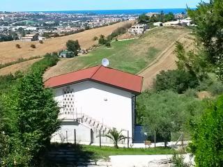 Villa, Cappelle sul Tavo