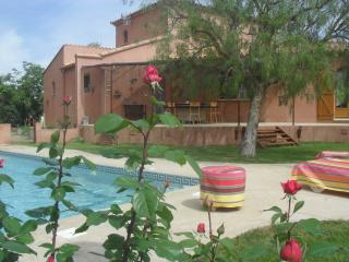 Maison grandes prestations avec jardin et piscine