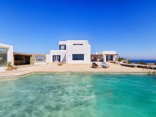 VILLABEAT  |  Villa Adora, Mykonos Town