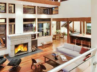 Fernwood - Contemporary 4 BR Redefines Luxury Mountain Living in Tahoe Donner