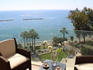 3 B/R luxury apartment HELEN ON THE BEACH, Limassol