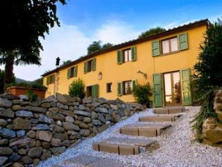 BED AND BREAKFAST VILLA CECCHINI, Massa e Cozzile