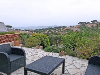 Maison avec vue mer, piscine dans la résidence pour 4 personnes à Ste Maxime