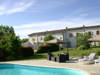 Enjoy the heat of the South West of France in the pool