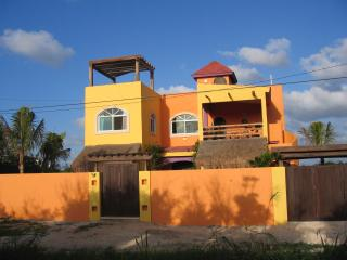 Private, secluded Isla Villa on Quiet Road, Isla Mujeres